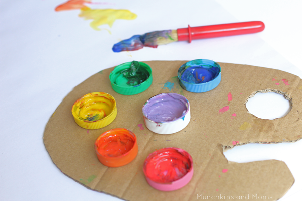 Diy paint palette munchkins and moms - Paleta de pinturas ...