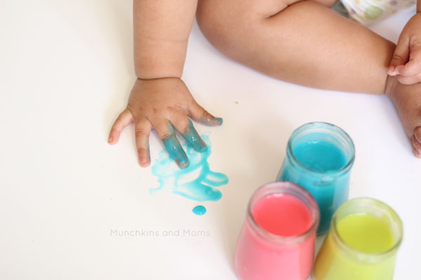 toddler painting photo shoot